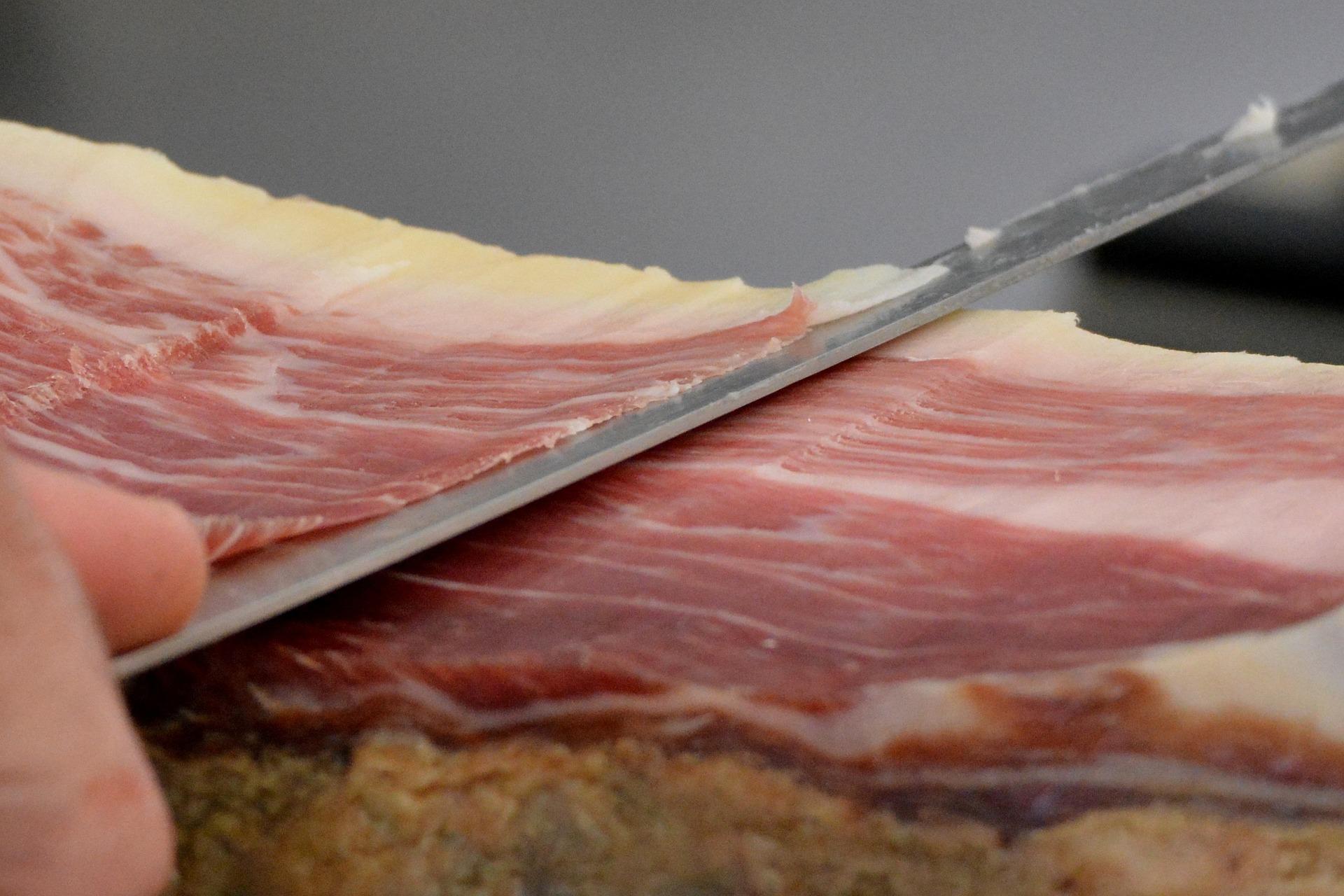 Cómo cortar un jamón entero: conoce los mejores consejos